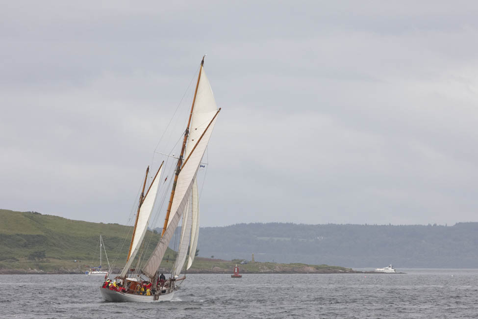 2013-07-fifes-regatta-largs-011