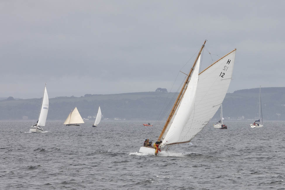 2013-07-fifes-regatta-largs-014